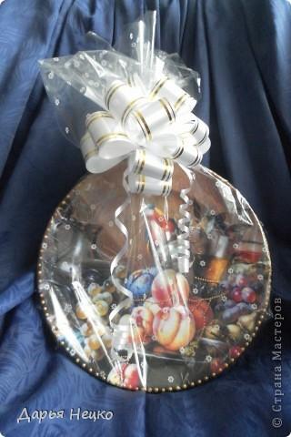 Задекупажила тарелку в подарок маминой подруге. фото 4