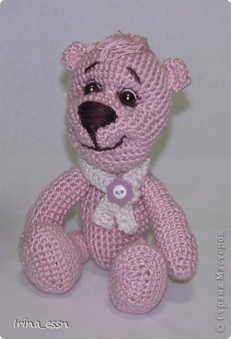 ......Я - маленький розовый мишка Из детской наивной мечты. Доброго всем летнего дня! Сегодня я решила показать вам своих мишек. Один мишка уже есть в моём блоге, но одиноко было ему, розовому ))) а сейчас связался розовый друг, и мой мишка повеселел, и стал совсем по другому выглядеть.   фото 3