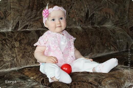 Для меня праздником, когда невероятно приятно дарить подарки, стало рождение у друзей доченьки! Связала для юной красавицы вот такую шапочку (МК есть у меня в блоге https://stranamasterov.ru/node/147235) фото 9
