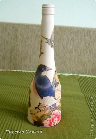 Всем привет!Хочу показать вам мою очередную бутылочку,которую я сделала вчера вечером(поэтому она ещё не покрыта лаком),эту бутылочку я сделала для маминой подруги,надеюсь ей понравится))Приступаем к просмотру))Птички ,вторую не видно фото 1