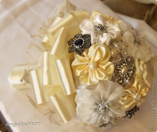 Свадебный букет из брошек фото 1