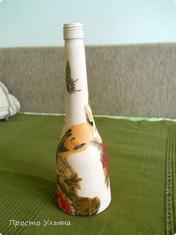 Всем привет!Хочу показать вам мою очередную бутылочку,которую я сделала вчера вечером(поэтому она ещё не покрыта лаком),эту бутылочку я сделала для маминой подруги,надеюсь ей понравится))Приступаем к просмотру))Птички ,вторую не видно фото 2