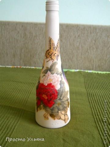 Всем привет!Хочу показать вам мою очередную бутылочку,которую я сделала вчера вечером(поэтому она ещё не покрыта лаком),эту бутылочку я сделала для маминой подруги,надеюсь ей понравится))Приступаем к просмотру))Птички ,вторую не видно фото 3