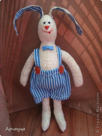 Вот он Зайчишка-шалунишка,Кирюша))))ушки у нас торчушки(внутри проволочка) фото 3