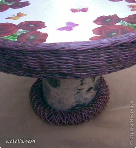 """Всем, всем доброго времени суток! Вот выстрадала столик, который стоит в дачнм """"кафе"""". Идею, и сам процесс плетения полностью позаимствовала у Леночки Деревенщины. Столик маленький, диаметром 70 см.  фото 6"""