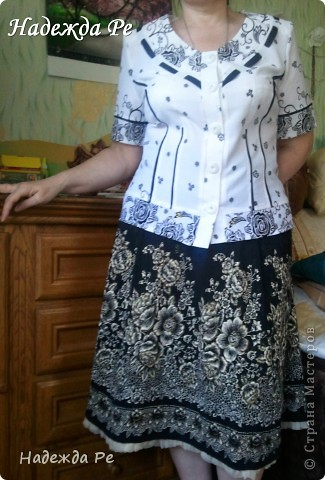 Попался в магазине очень удачный материал и сразу появилась идея,вот так к лету у меня сшилась замечательная юбочка из клиньев. фото 1