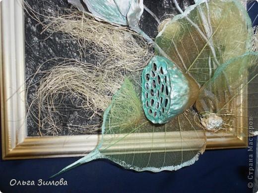 Вот такое панно я сделала в подарок на день рождения своей коллеге по работе. Я использовала сухие цветы лотоса, чубак лотоса и скелетированые  листья. Декорировала сизалью.. фото 5