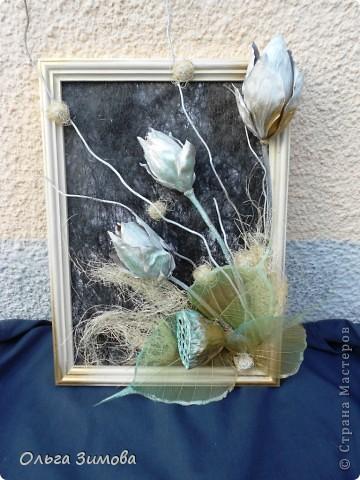 Вот такое панно я сделала в подарок на день рождения своей коллеге по работе. Я использовала сухие цветы лотоса, чубак лотоса и скелетированые  листья. Декорировала сизалью.. фото 6