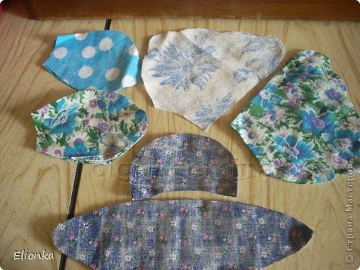 Омияге- традиционные для Японии сувениры, которые привозят из поездок и путешествий. А именно сладости, упакованные в очень красивые мешочки. Разнообразие этих мешочков поражает, как и фантазия японцев) Сегодня я расскажу, как сшить мешочек для сладостей в виде бабочки. фото 4