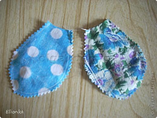 Омияге- традиционные для Японии сувениры, которые привозят из поездок и путешествий. А именно сладости, упакованные в очень красивые мешочки. Разнообразие этих мешочков поражает, как и фантазия японцев) Сегодня я расскажу, как сшить мешочек для сладостей в виде бабочки. фото 5