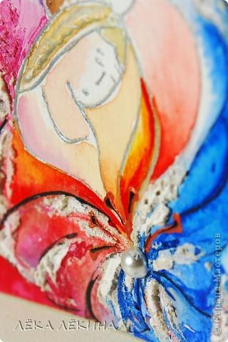 """Материалы: Бумага для акварели Торшон (крупнозернистая), контур металлик, акварель, структурная паста, акрил, глосси лак, полужемчужены, дистрессы. """"...Нарисую счастье легкими штрихами Желтой краской яркой нарисую свет Синей акварелью нарисую нежность Чтоб увидеть завтра утренний рассвет...."""" Серия не для обмена, т.к. вторая карточка уже имеет свою новую хозяйку:) фото 5"""
