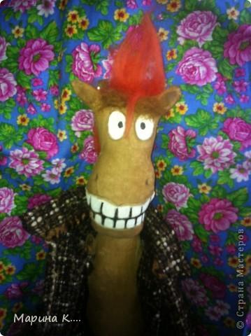 """Давно заглядываю в блог Юлии Моисеенко. Уж очень мне ее """"кони в пальто"""" нравятся. .. Вот по образу и подобию, так сказать, ее коня сшила и я своего. Выкройку строила сама. Дети просили, чтобы конь был похож на Юлия из мультфильма про Алешу Поповича. Рисую не очень, но старалась....))))  фото 7"""