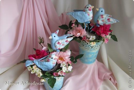 Пташки в цветах фото 2