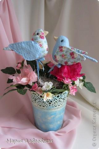 Пташки в цветах фото 3
