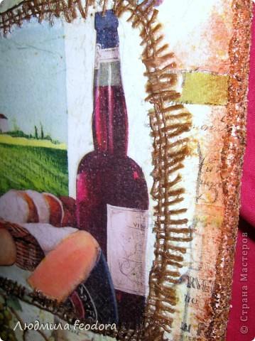 Небольшой набор для украшения кухни доска и бутылка. Бутылку я уже показывала и вот у нее появилась подружка,вместе они неплохо смотрятся. фото 3