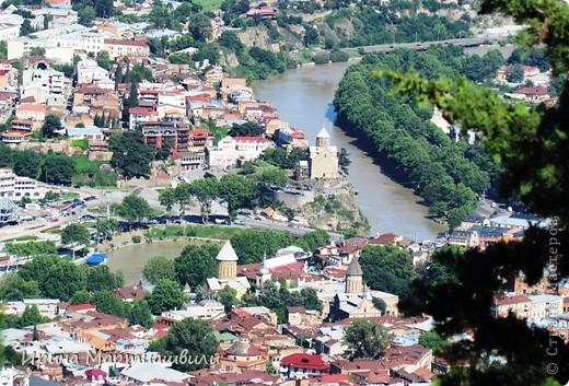 вид на р.Куру и Тбилиси со стен старинной крепости фото 4