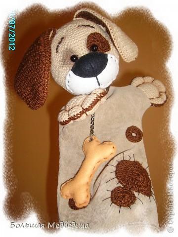 Всем привет! В пару к зайцу Муфуне наш домашний кукольный театр прирос вот таким песиком Тимошкой. Почему именно собачка? Да потому что в настоящее время это самое любимое животное ребенка. Прям с ума сходит по собачкам всех мастей.:-) фото 8