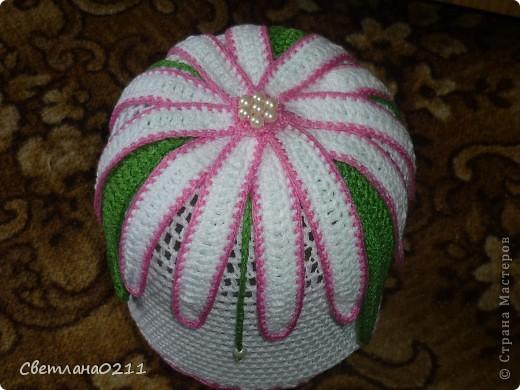 Эту шапочку связала на заказ одной маленькой девочке. Схемку  брала http://club.osinka.ru/topic-51742?p=4353000#4353000 , конечно со своими изменениями фото 1