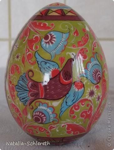 Яйцо выполнено в Борецкой росписи. Яйцо двустороннее-на каждой из половинок свое,но связанное общим замыслом,изображение. фото 6