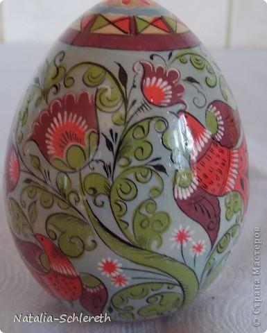 Яйцо выполнено в Борецкой росписи. Яйцо двустороннее-на каждой из половинок свое,но связанное общим замыслом,изображение. фото 5