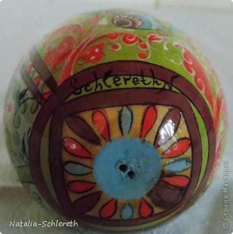 Яйцо выполнено в Борецкой росписи. Яйцо двустороннее-на каждой из половинок свое,но связанное общим замыслом,изображение. фото 9