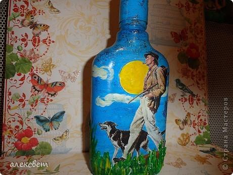Здраствуйте мастера и мастерицы. Вот такой бутылочный микс у меня родился. использовала декупаж, дорисовка акриловыми красками, контуры. фото 18