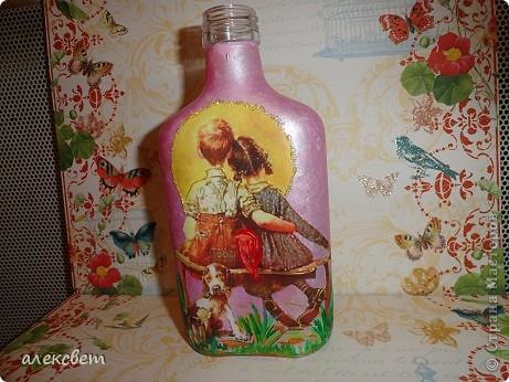 Здраствуйте мастера и мастерицы. Вот такой бутылочный микс у меня родился. использовала декупаж, дорисовка акриловыми красками, контуры. фото 22