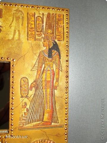Здравствуйте, дорогие жители Страны! Вот и меня не обошла стороной египетская тема. Недавно купила салфеточки и сразу за работу. Что получилось, судить Вам. Работа ещё не покрыта лаком, жду выезда на дачу. Фото получились разные по цвету, потому что ежеминутно меняется погода, с солнечной на пасмурную, да и фотограф из меня ещё тот. фото 7