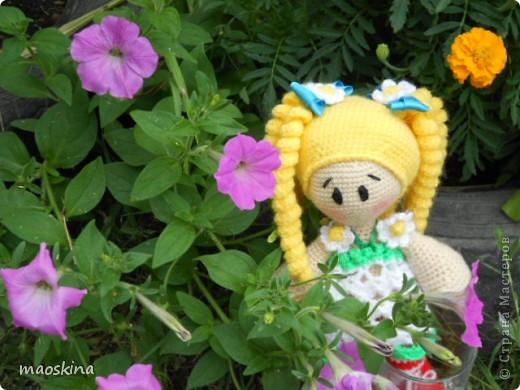 Продолжаю учится вязать кукол. Это мое новое произвеедение фото 5
