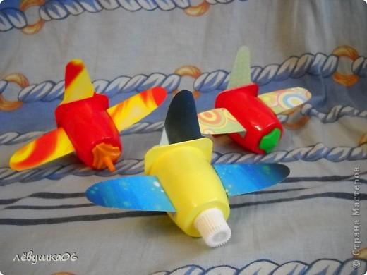 """как-то подсмотрели у Пеларгонии самолётики http://stranamasterov.ru/node/310863?c=favorite   , вот и у нас наконец-то до них руки """"дошли"""", МК можно посмотреть вот тут http://korablik22.ucoz.ru/blog/samoletik_rastishka/2012-02-09-7 фото 1"""
