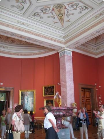 Возле Эрмитажа мы с вами уже погуляли, а теперь войдём в него. Портретная галерея героев войны 1812 года (если не ошибаюсь). Можете меня поправить. фото 15