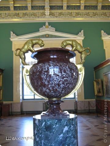 Возле Эрмитажа мы с вами уже погуляли, а теперь войдём в него. Портретная галерея героев войны 1812 года (если не ошибаюсь). Можете меня поправить. фото 16