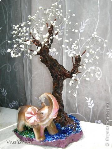 Дерево из камней фото 1