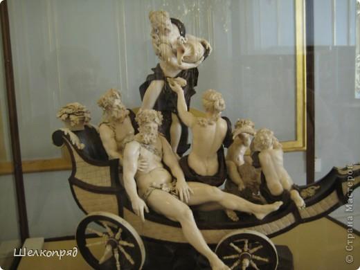 Возле Эрмитажа мы с вами уже погуляли, а теперь войдём в него. Портретная галерея героев войны 1812 года (если не ошибаюсь). Можете меня поправить. фото 41