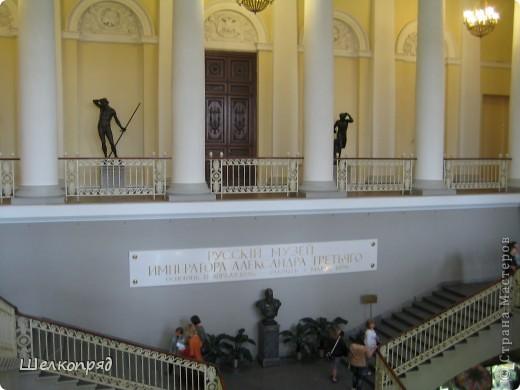 Возле Эрмитажа мы с вами уже погуляли, а теперь войдём в него. Портретная галерея героев войны 1812 года (если не ошибаюсь). Можете меня поправить. фото 59