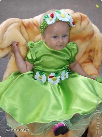 Главное событие лета - день рождения доченьки. моя робота: украшение на платье и повязочка. и другие роботы. Сначала хотела розы, но решила что на годик еще рановато. фото 1