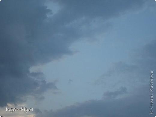 """Всем привет! Вот хочу немного разгрузить свои фото-папки:)) Это как-то вечером, делать было нечего, решила пофотографировать облака:)) В результате опять """"нарвалась"""" на образы:)). То ли я их ищу, то ли они меня :)). Но судить Вам, дорогие друзья!  Мне напомнил Райкина Аркадия :)). А Вам? фото 3"""