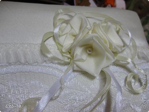 Второй мой свадебный альбом для пожеланий молодожёнам. Розы из лент на обложке. фото 1