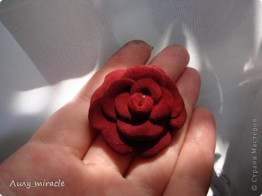 Роза из кожи фото 13