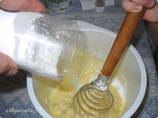 раньше я пекла вафельки на простой вафельнице(которую брала у соседки), и моему счастью не было предела, когда родители мне подарили электровафельницу( лет мне тогда было13-14..), а теперь вафельки любит мой сынишка) фото 4
