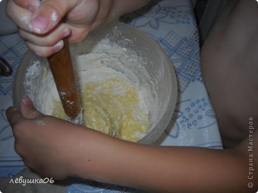 раньше я пекла вафельки на простой вафельнице(которую брала у соседки), и моему счастью не было предела, когда родители мне подарили электровафельницу( лет мне тогда было13-14..), а теперь вафельки любит мой сынишка) фото 8