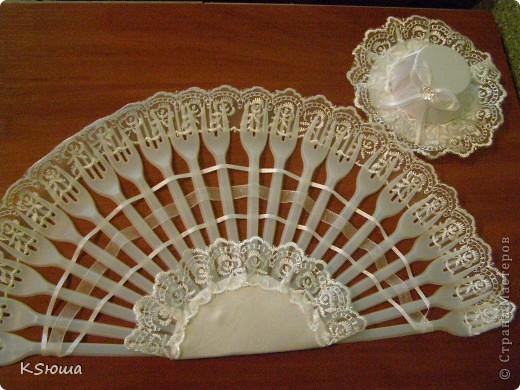 Подарок для крестницы!!!Веер из одноразовых вилок и шляпка(заколочка)!Фото на модели выложу позже!!!:о) фото 1