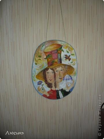 Сделала на заказ вторую такую же работу по картине Юрия Мацика. Для объемности добавила акриловой пасты. Размер чуть больше А4. Мне эта работа нравится больше первой. И опять же фотоаппарат не передаёт всех красок.  фото 4