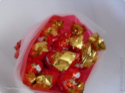 мой первый букет из конфет фото 3