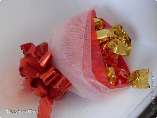мой первый букет из конфет фото 1