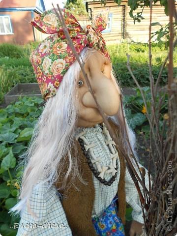 Решила сделать Бабусю-Ягусю на огород. Молодая получилась фото 10