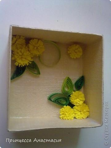 Добрый день, дорогие мастерицы! Сегодня я к вам с коробочкой для подарка. Насмотревшись на ваши чудо-работы, сама загорелась желанием сотворить такую красоту. Вот что из этого вышло. фото 8