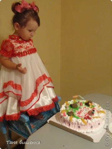 вот такое платье я сшила в подарок на день рождения,шила без примерок по размерам которые мне дали родители. фото 5