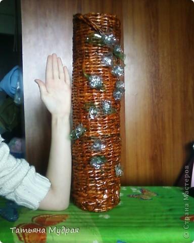 Это напольная ваза. Цветы из пластмассовой бутылки. фото 2