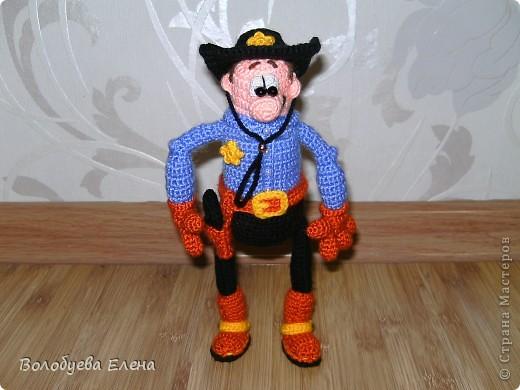 вот он мой ковбой-шериф! рост 23-25см, связан из палированного акрила. фото 5